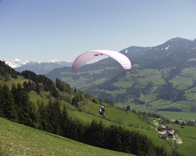 Paragliding v horách